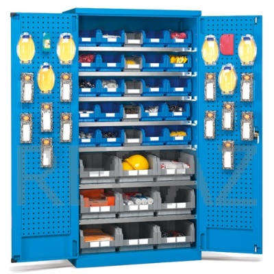 Kovová skříň s dveřmi, včetně zásobníků